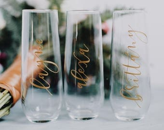 Stemless Champagne Glass   Permanent Vinyl Lettering   Custom Vinyl Color   Bridesmaid Champagne Glasses   Wedding Party Champagne Flutes