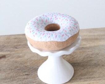 Felt Doughnut - Felt Play Food - Felt White Frosted Donut - Felt Food - Pretend Donut - Pretend Food - Play Food - White Sprinkle Doughnut