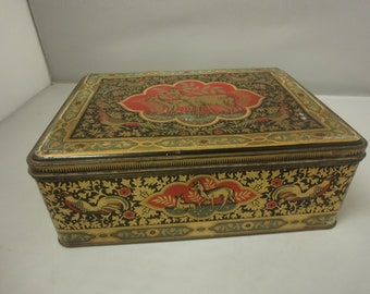 Kitchenalia.....Very Attractive 1930s  Large Biscuit Tin   featuring two deers