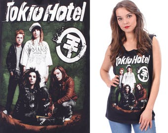 TOKIO HOTEL Print Shirt 1990s Cut Off Raw Edges Concert Tee 90s CROPPED Low Armhole Sleeveless Black Green White Cotton Medium