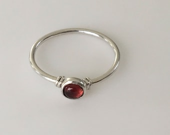 Silver garnet Ring, Garnet Ring, Garnet Silver Ring, Sterling Silver Ring, Garnet Jewelry, Ring size 7.5, Red ring, Mini ring, Red silver,