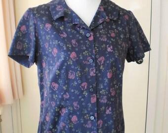 Timeless Cotton flower blouse.