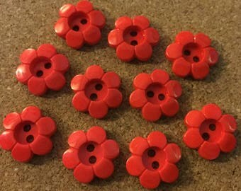100 x Red Daisy Shaped 2-Hole Buttons. Size 18mm.