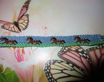 Bracelet friendship pattern horse