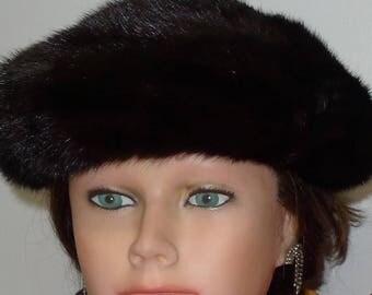 Chic  dark brown mink fur hat beret   XS  -  Ravissant béret de vison brun foncé -  XP