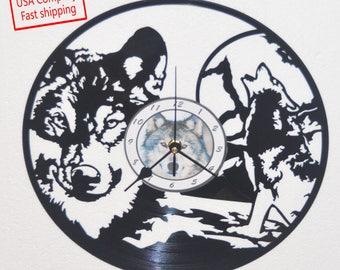 Wolf scene vinyl record clock *FREE SHIPPING*