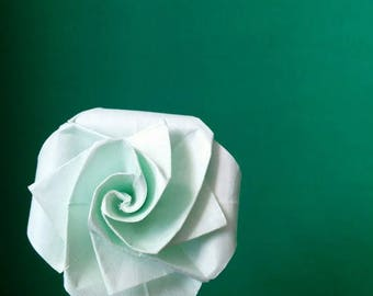 Small pink seagreen color with leaves in real Origami (F_020)