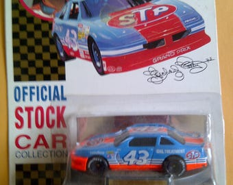 Nascar 43 STP Richard Petty 1/64th new on card