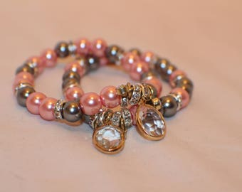 Gray and pink beaded stretch bracelet- Glass beed bracelet- Friendship bracelet