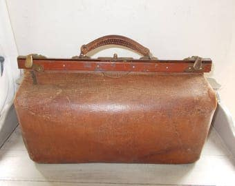 Authentic French Vintage Large Leather Gladstone Bag Doctor's Bag Sac de Medecin 1920's sturdy handle bronze catches no lining hence price