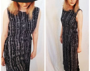 90s grunge stripe maxi dress. 90s black and white dress. 90s rayon dress. Sleeveless dress. Size Small Medium