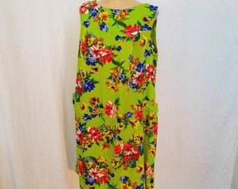60's Bright Green Aloha Dress. Hawaiian Print. Floral. Mumu. Midi dress. Sleeveless. Size Large