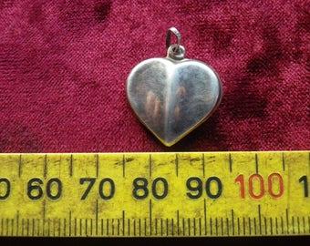 vintage ladies sterling silver pendant - heart