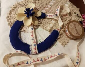 Postage included UK-Wool felt horseshoe- Lucky wedding horseshoe-luxury gift- Bridal Accessory- Lucky horseshoe-Rustic wedding gift-wool