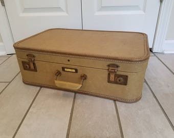 Vintage Suitcase/Travel Pet Bed (Tan-Medium/Large)