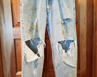 Mens destroyed jeans, distressed jeans, ripped jeans, Levi 550 jean, 34x30
