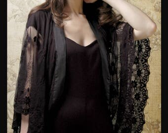 Vintage style shrug in black embroidered lace