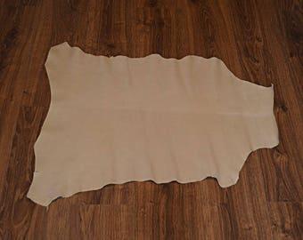 Beige lambskin leather with velvet finish (9244209)