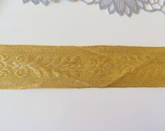 Amber yellow colored ribbon of 3.5 cm wide