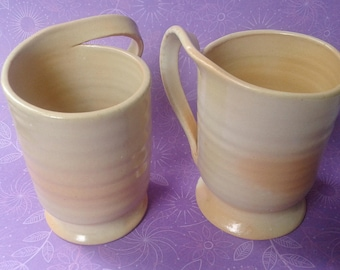 Jan de Graaf, 2 mugs, pottery, Made in Holland