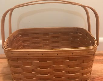 Longaberger 'Lunch Box' Basket with Plastic Insert