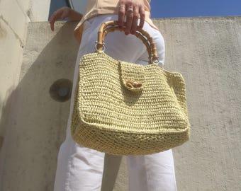 Vintage Top Handle Straw Market Bag with Wooden Handle | Weaved Wicker Bucket Bag | Beige Straw Rattan Bag with Wooden Detailing Beach Bag