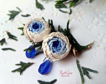 Charming earrings with blue and ivory peonies and blue beads, wedding jewellery, peony earrings
