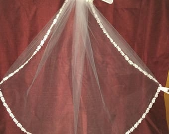 30' White Flower Veil with Pearls