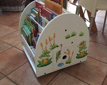 Montessori Bookshelf
