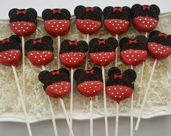 24 Red Minnie Mouse Oreo Pop Cookies