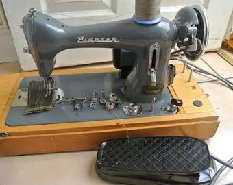 Vintage Pinnock Semi Industrial Electric Sewing machine Ideal for Denim, Canvas & the like