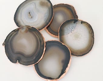 Rose Gold Gilded Agate Drinks Coaster in Grey / Natural with Rose Gold Leaf Edging. Luxury Boho Homewear
