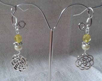flower and yellow beads earrings