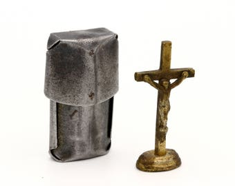 Small Boxed Crucifix, Antique 1910s Shrine, Portable Shrine Cross, WWI Soldier Altar, Antique French Crucifix, Pocket Shrine Crucifix Altar