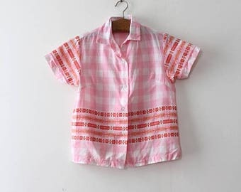 SUMMER SALE NOS vintage 1960s blouse // 60s pink button up top