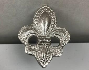 Set 6 X SILVER Fleur de Lis Metal knobs - Knob Home decor drawer pull