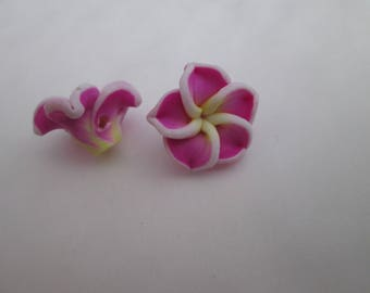 2 magenta, yellow and white 15mm polymer clay flower beads