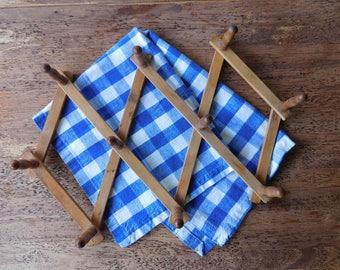 Vintage accordion peg rack. Wooden peg rack. Adjustable peg rack. Wood wall hooks. Boho storage.