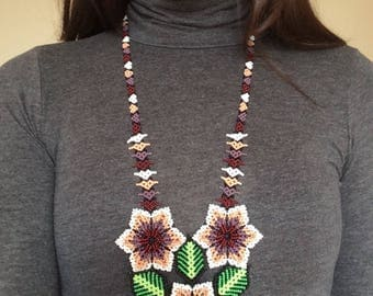 Durazno Flower Necklace - Huichol Beaded Necklace