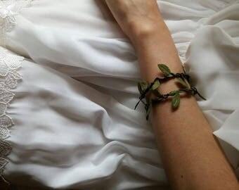 Green leaf wedding bracelet Floral bridal corsage Bridesmaids wrist corsage Wedding floral bracelet Leaf wrist corsage Leaves wrist bracelet
