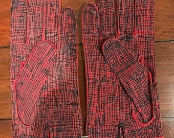 Vintage ladies Crescendoe gloves, red
