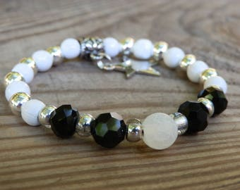 Personalized wood Beads Bracelet with white agate bead and initials