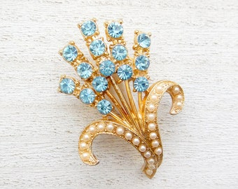 Vintage Light Blue Rhinestone and Faux Pearl Flower Brooch Pin, Gold Tone, Aquamarine Color