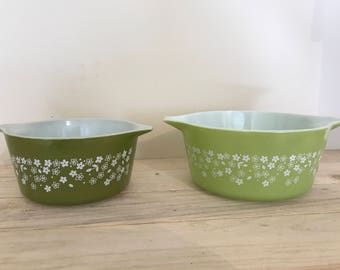 Vintage Pyrex Nesting Bowl Set of 2
