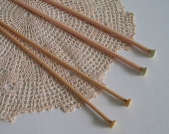 Vintage Knitting Needles 2 pairs-Pastel Pink and Peach Plastic 1950's/60's Knitting Needles- Milward Size 6 (5 mm) & Size 9 (3.75 mm)