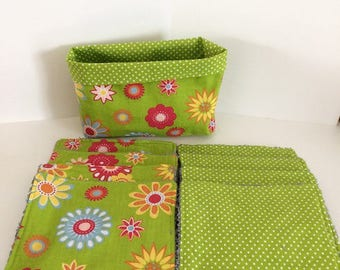 Green WASHABLE wipes and flowers