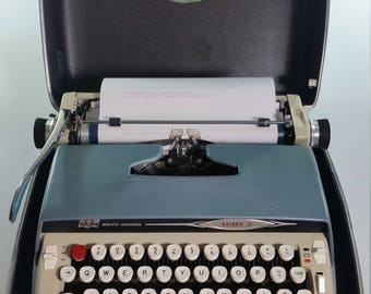 Vintage SCM Smith Corona Galaxie II Manual Typewriter With Carrying Case