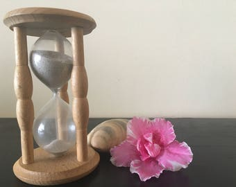 Vintage wooden hourglass, Brown wooden hourglass with sand, Collectible hourglass sand glass, Vintage sandglass timer
