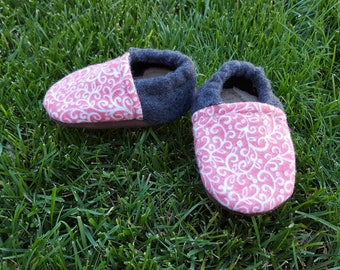 Pink and White Vine Baby Booties