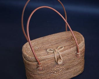 Rattan Hand Bag, Summer Bag with Unique Clip,Unique design, Unique Summer Bag, with Unique Pattern Design for Perfect Birthday Gift